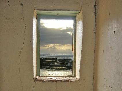 4-O1-ronnie hazell-a sea view-scenic